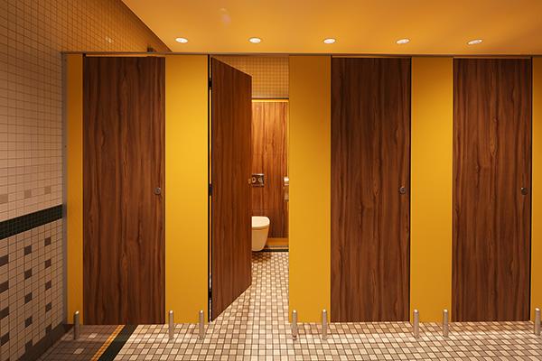 Marcato toilet cubicle