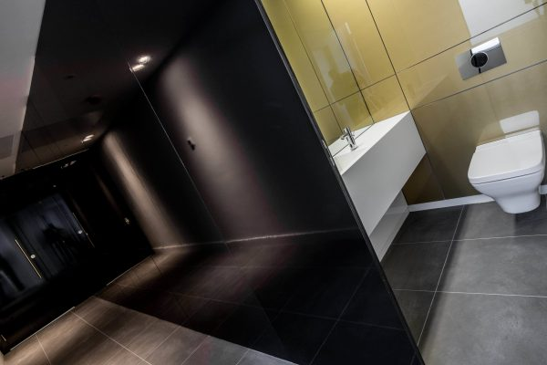 Alto full height black gloss 'superloo' cubicles