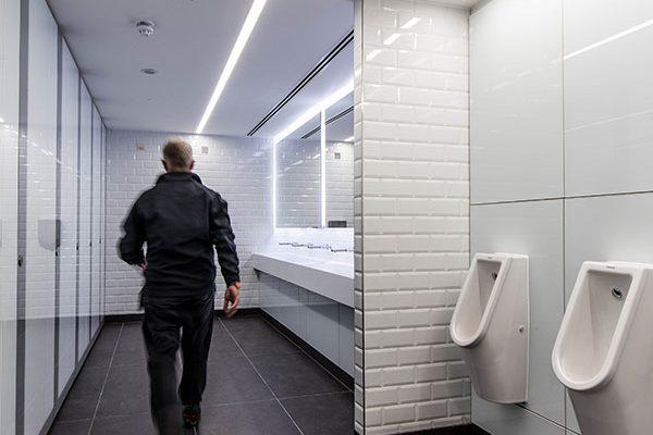 Staff shower area and co-ordinating washrooms - 55 Bishopsgate London