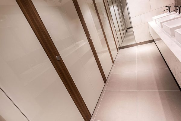 25 Bedford Street - full height Alto Kristalla glass cubicles