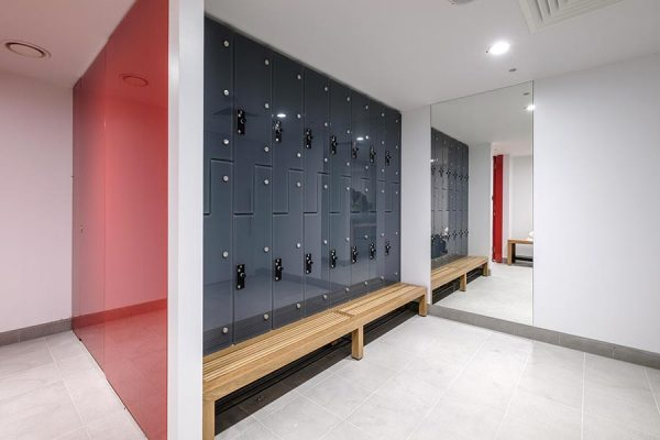 Luxurious changing room area - 10 Fenchurch Avenue