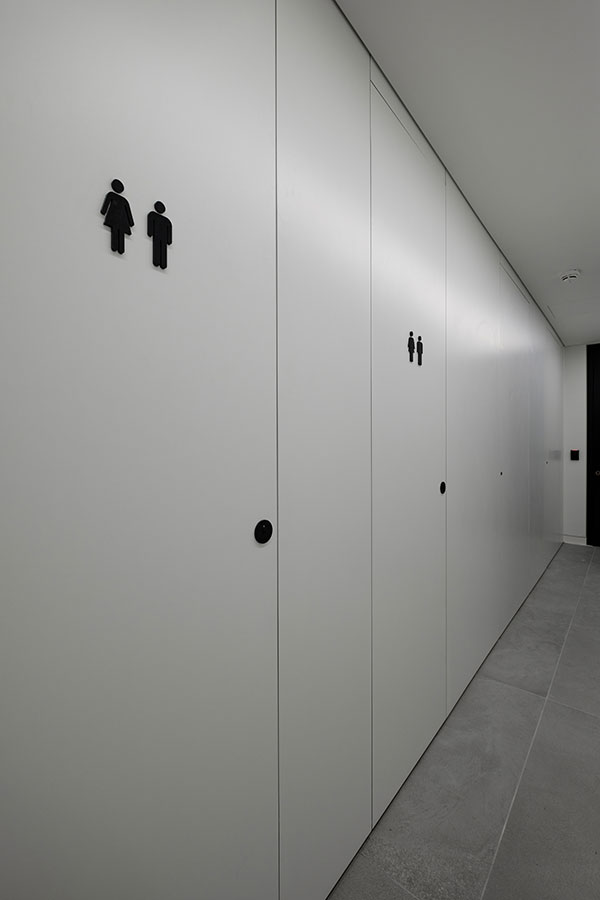 Ffull height Alto toilet cubicle doors at One Smart's Place