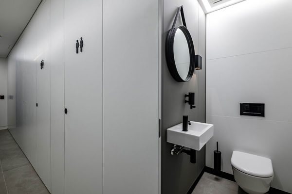 Monochrome superloos at One Smart's Place