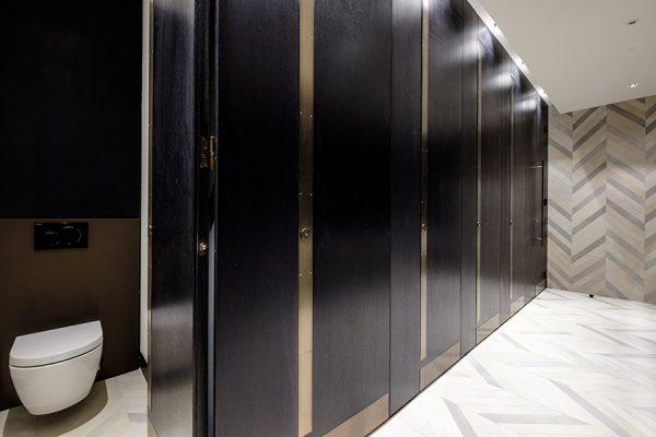 Alto toilet cubicles in dark oak dyed veneer - 133 Houndsditch