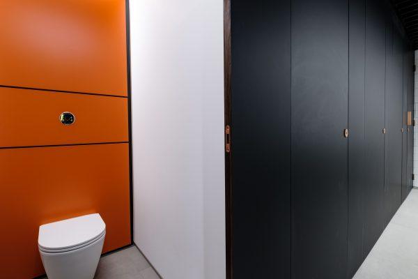 Black full-height Alto FENIX cubicles